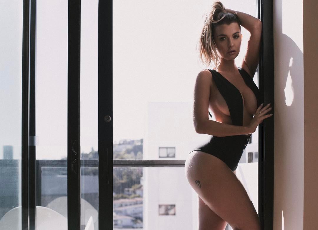 Австралийская фитоняшка Эмили Сирс (Emily Sears): фото, биография инстаграм красотки