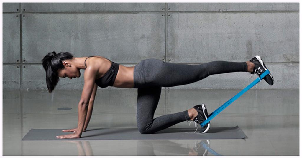 Лучшие упражнения с резинками для фитнеса в домашних условиях на руки, ягодицы, ноги, плечи, спину и пресс